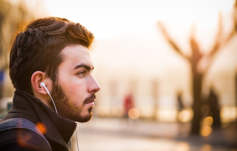 alex blajan 223771 - How to listen to podcasts and get the most out of them